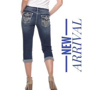 Women's APT. 9 Embellished Cuffed Capri Pants